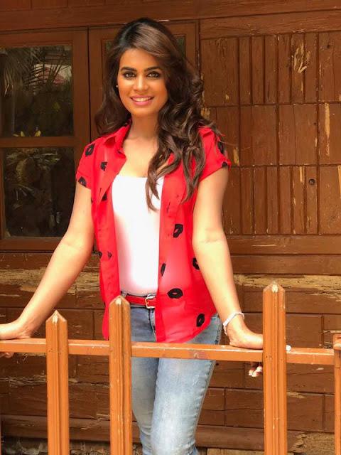 Actress Shubhra Ghosh Latest Hot Stills Actress Trend