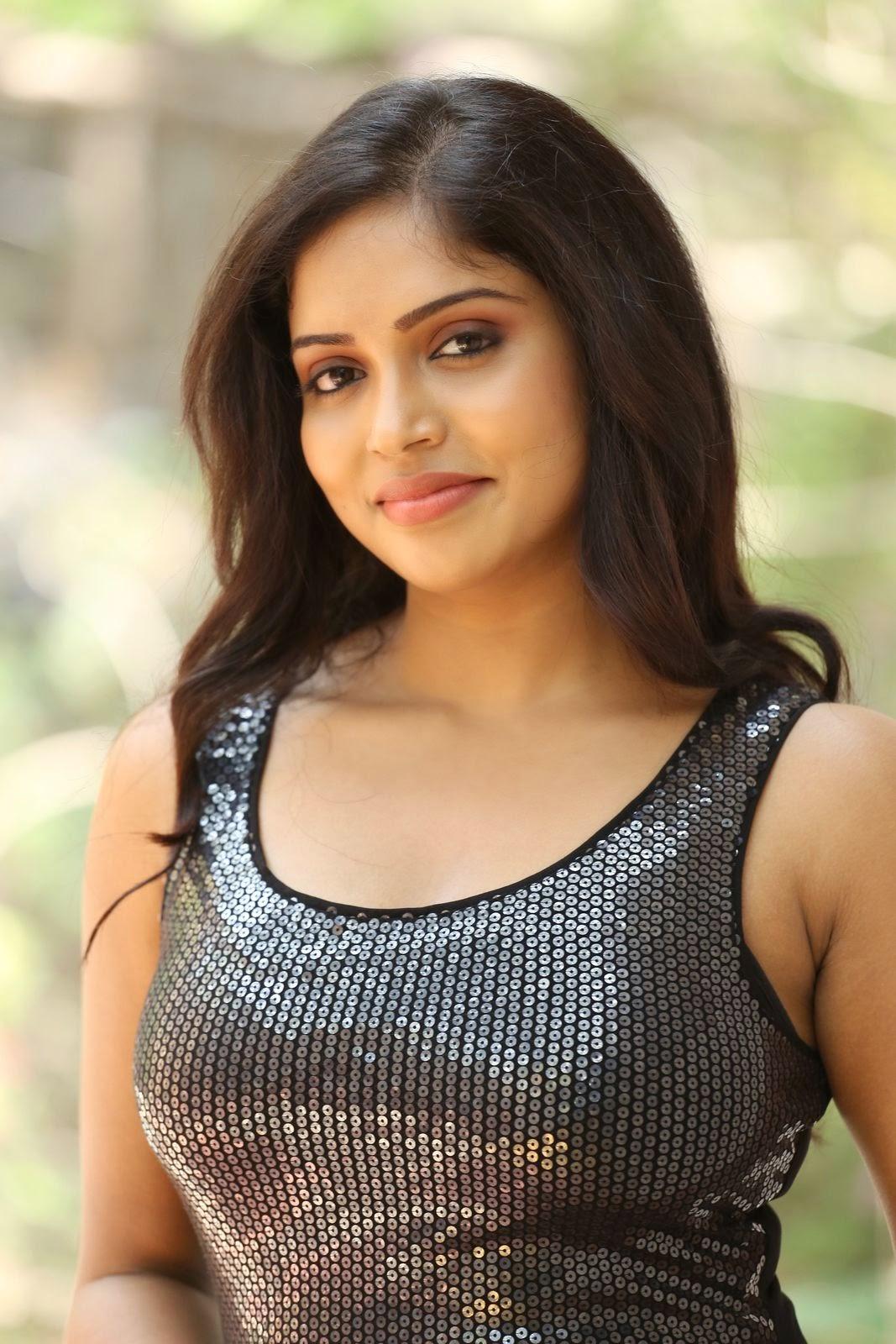Actress Karunya New glam pics-HQ-Photo-12