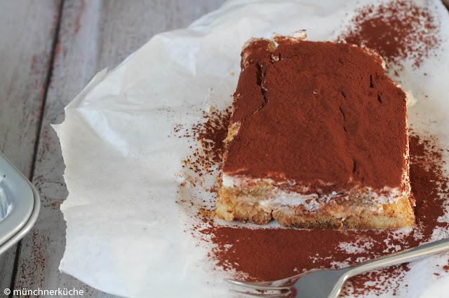 Tiramisù mit Löffelbiskuit getränkt mit Espresso-Amaretto-Orangensaft.