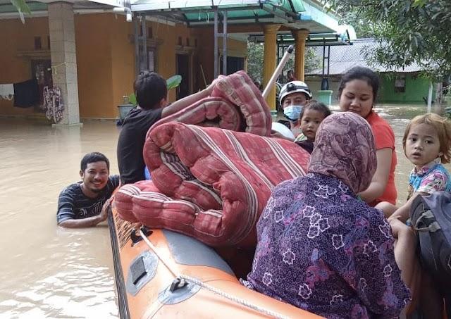 Tanggul Jebol, Banjir Landa Empat Desa di Bekasi