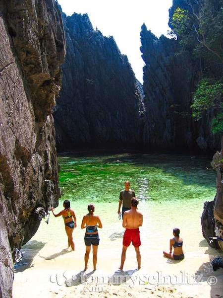 the Secret Beach at El Nido
