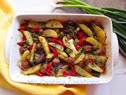 Наденица с чушки и картофи на фурна * Salsiccia con peperoni e patate al forno
