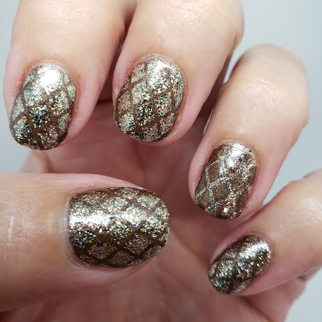 nail art pose, nail art, diamond design