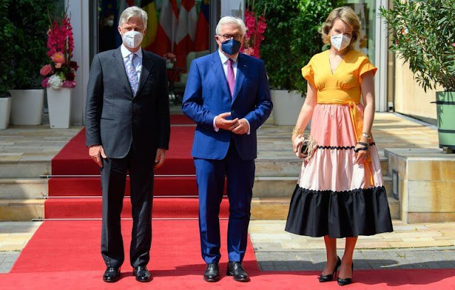 Princess Sophie wore a lemon print fit and flare midi dress from Oscar De La Renta. Mathilde wore a light pink and black skirt and yellow top
