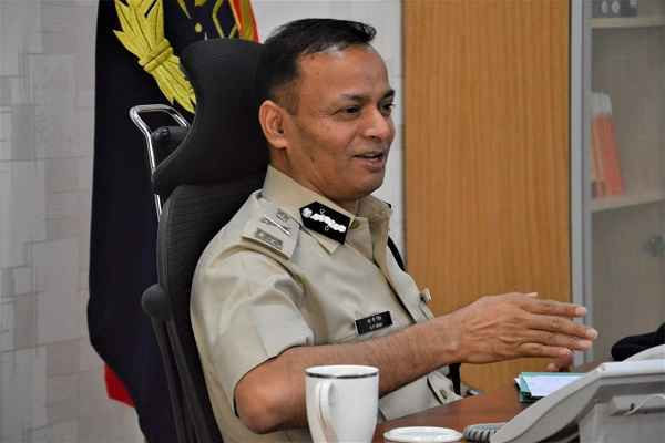 faridabad-police-security-oxygen-tanker-cp-op-singh-praised