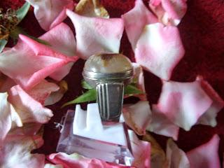 batu mustika,azimat bertuah .mustika pengasihan ,dewi nawang sari ,pemikat daya pandang,daya pesona