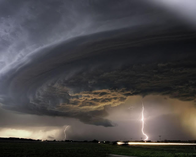10 Most Amazing and scary images of Supercell formation
