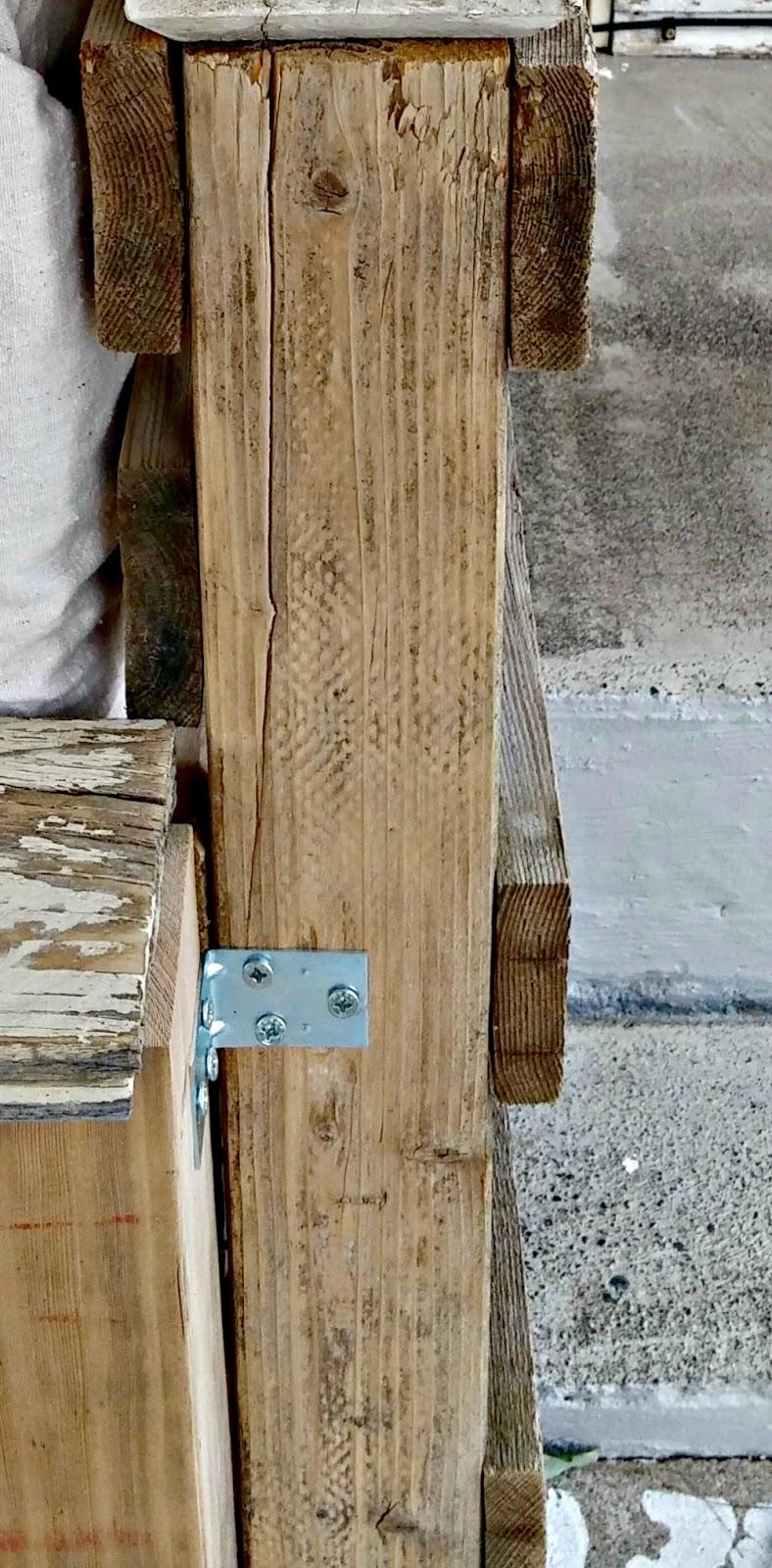 DIY pallet love seat