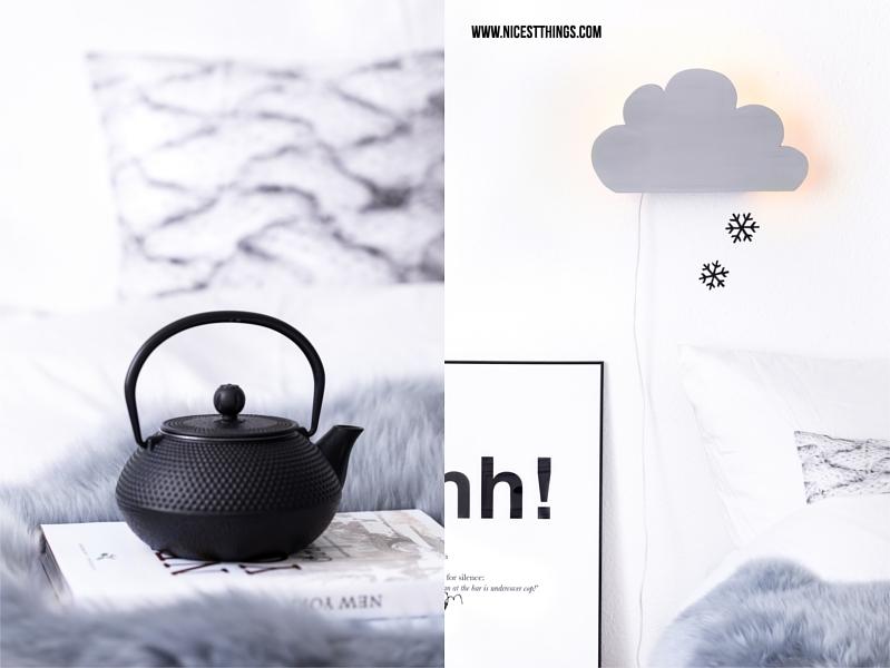 Schwaze gusseiserne Teekanne und DIY Wolken Leuchte