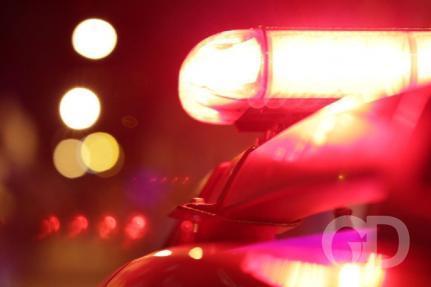 Mãe é presa após filho adolescente ser flagrado em bar
