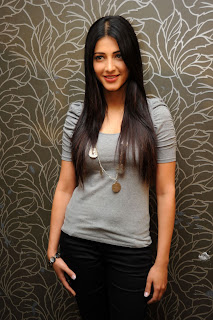 Actress Shruthi Han Stills at 7am Arivu (7th Sence Successmeet