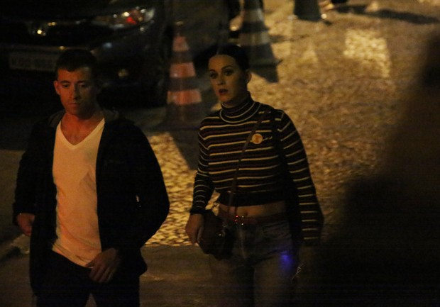 Katy Perry walks the streets of the Botanical Garden after performing in Rock in Rio 2015