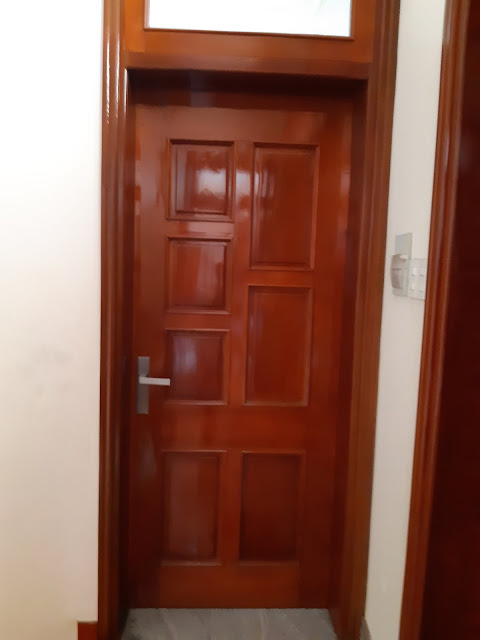 tấm eron làm cửa chống cháy