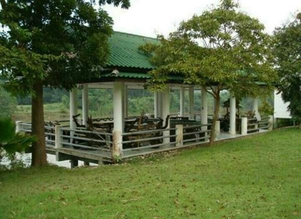 ที่ดินพร้อมบ้าน อ.ด่านมะขามเตี้ย จ.กาญจนบุรี ที่ดินติดแม่น้ำแควน้อย 20 ไร่