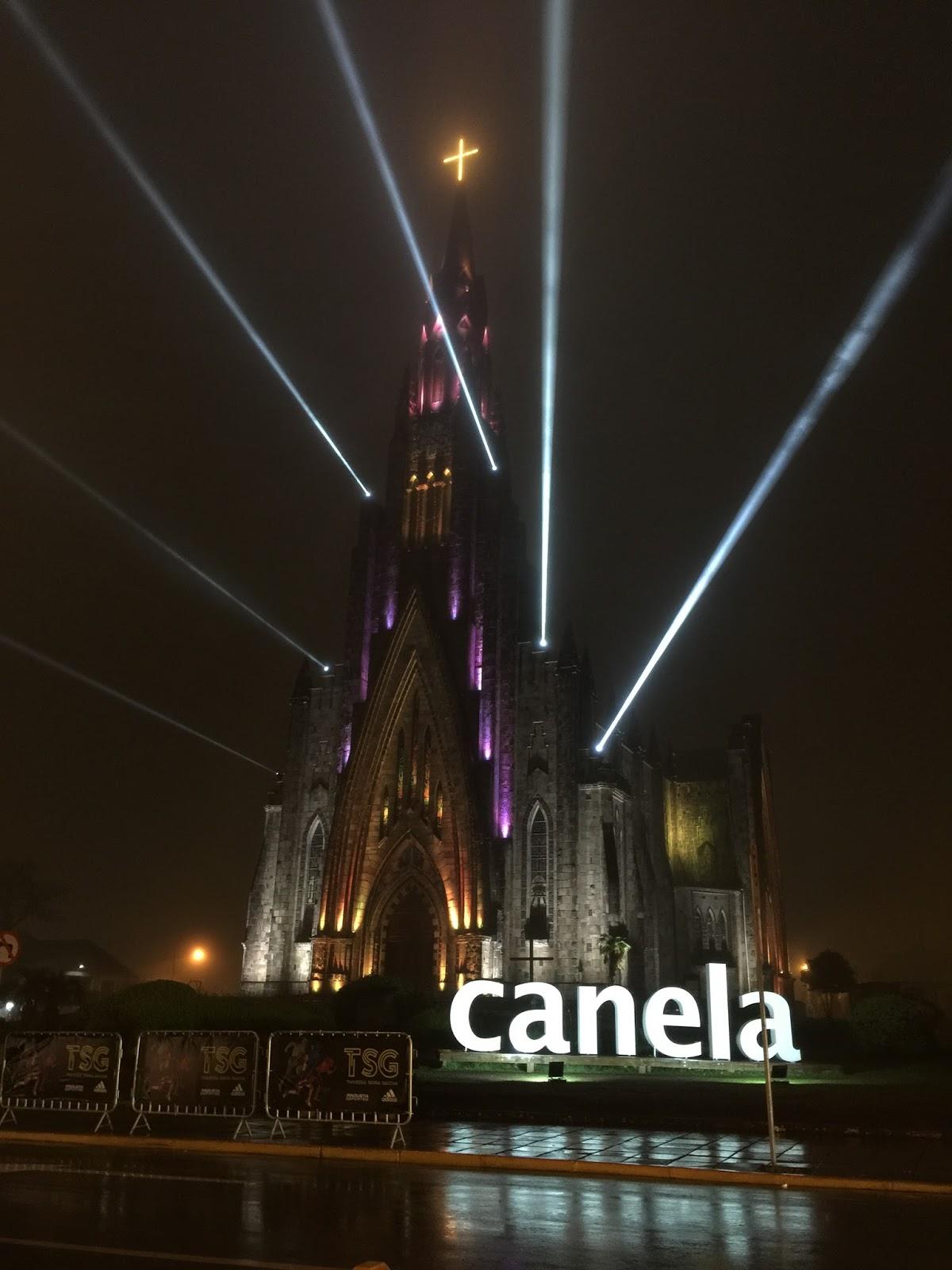 Catedral de Canela iluminada