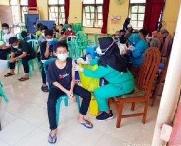 UPT PRSMP Surabaya Adakan Vaksinasi yang Bekerja Sama dengan Puskesmas Balongsari