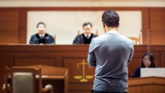 dispensa indevida testemunha ocular anula sentenca