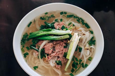 Pho: kultowa zupa z Wietnamu - książka dla każdego fana Azji! - Czytaj więcej »