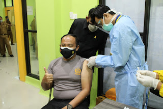 Selain Forkopimda'Kapolres Sinjai Juga Ikut Vaksin Di RSUD Sinjai