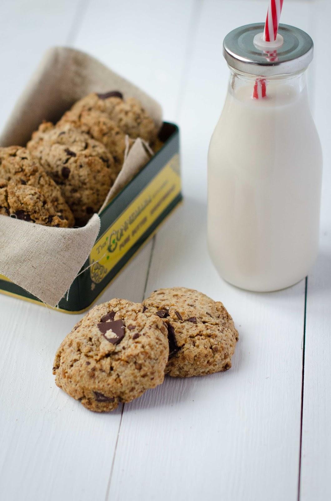 Lait de noisettes maison et biscuits à l'okara {vegan}
