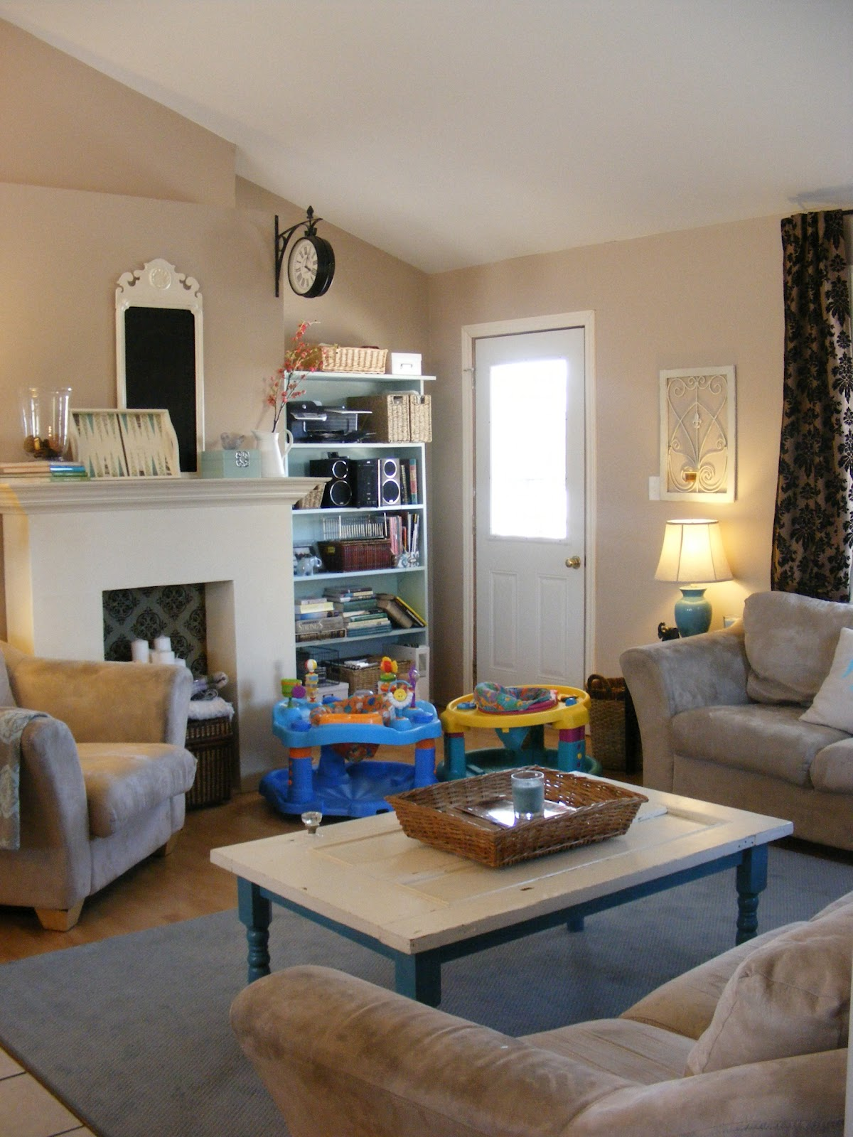 Show Living Rooms Already Decorated: {Home Staging 101} Part 2: My Living Room