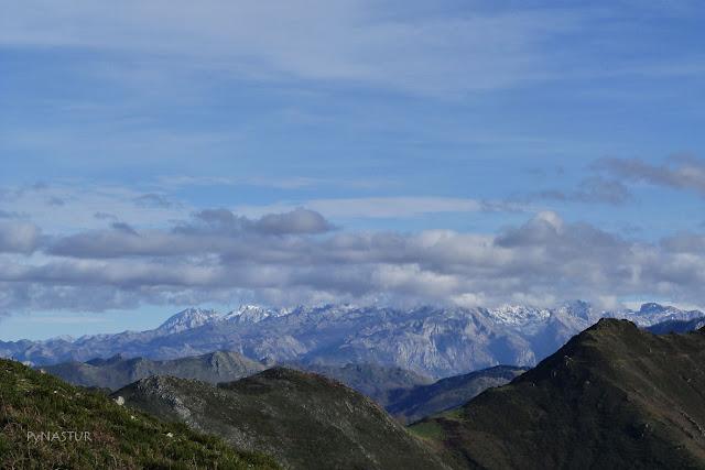 Picos de Europa desde el Cerro del Tombu - Piloña