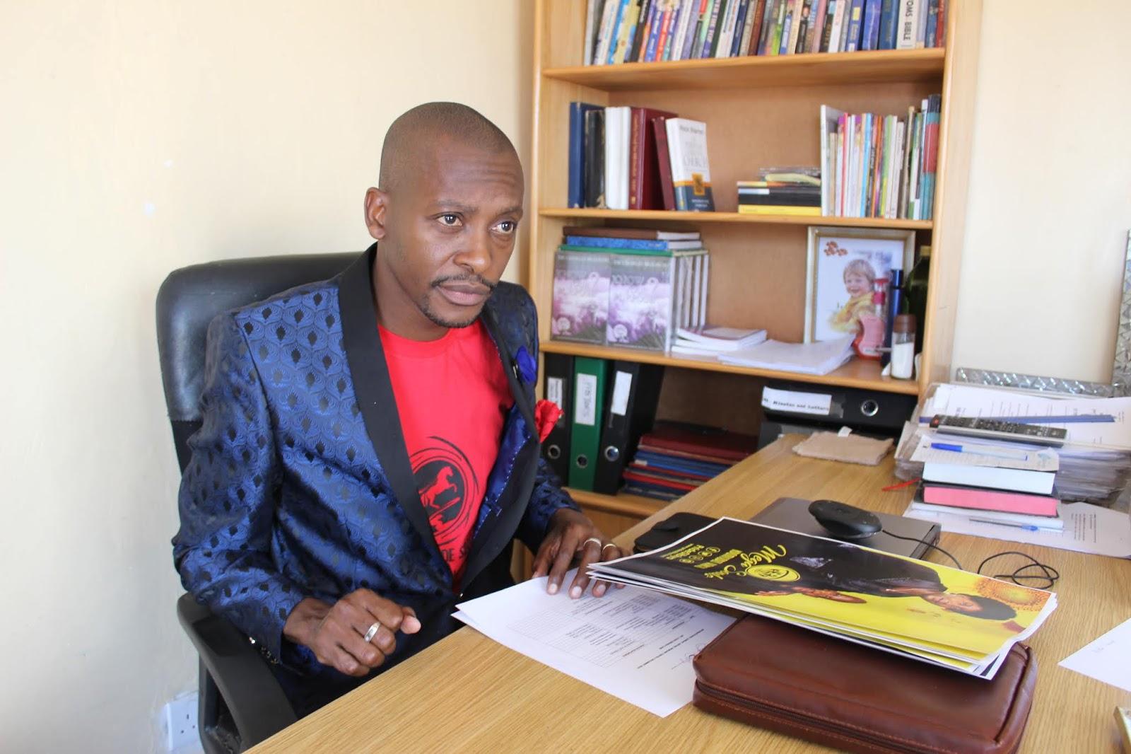Apostle Pride Sibiya Vari Muhushumiri HweTsitsi Uyezve Somudzidzisi Wezve Hutungamiri!