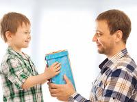 Orangtua Baik Memberikan Hadiah, Sedangkan Orangtua Hebat Memberikan Diri Mereka