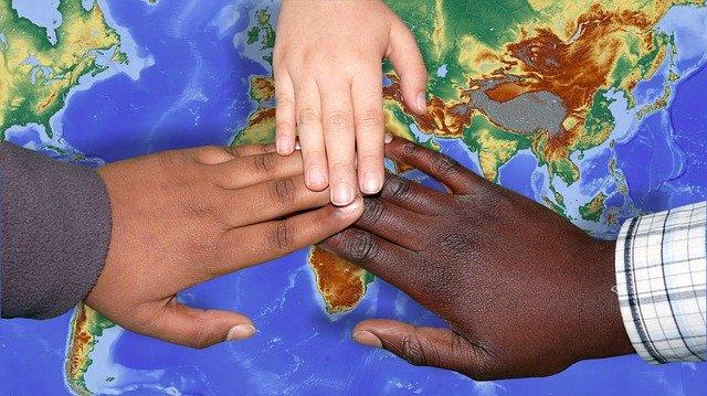 Mengapa warna kulit manusia berbeda?