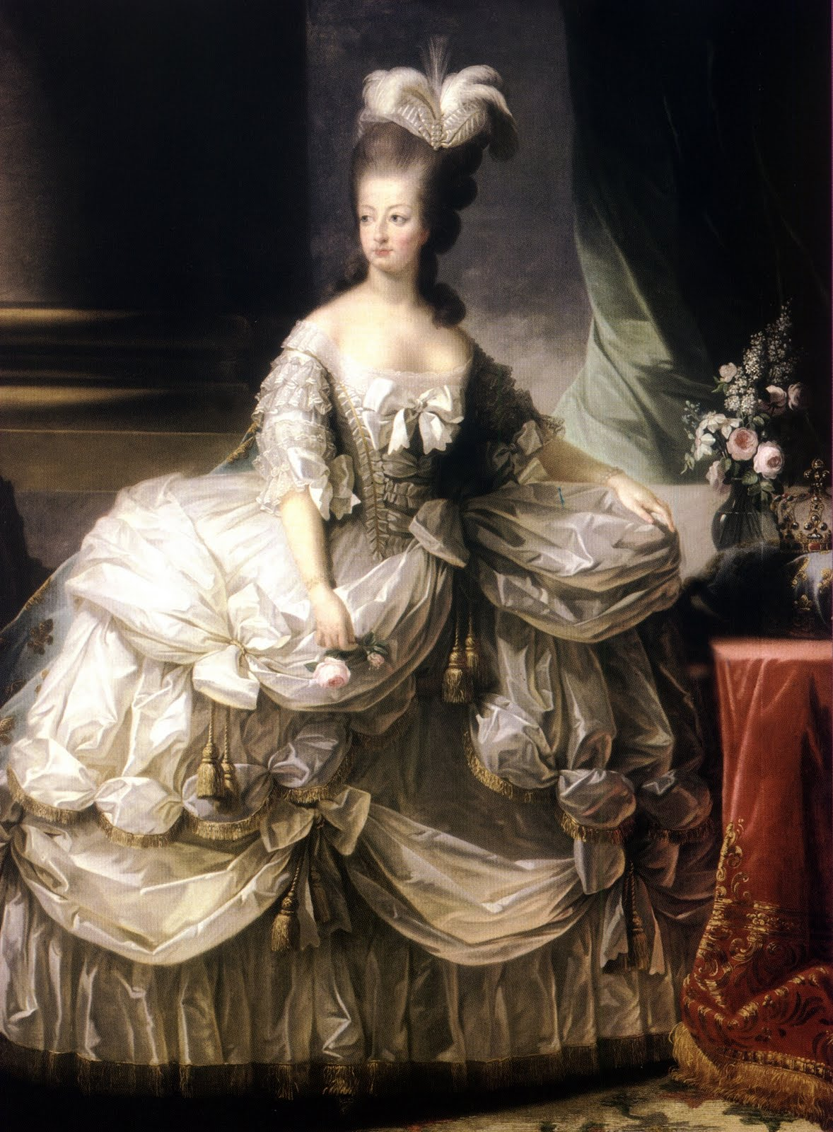 The Many Types Of 18th Century Gowns