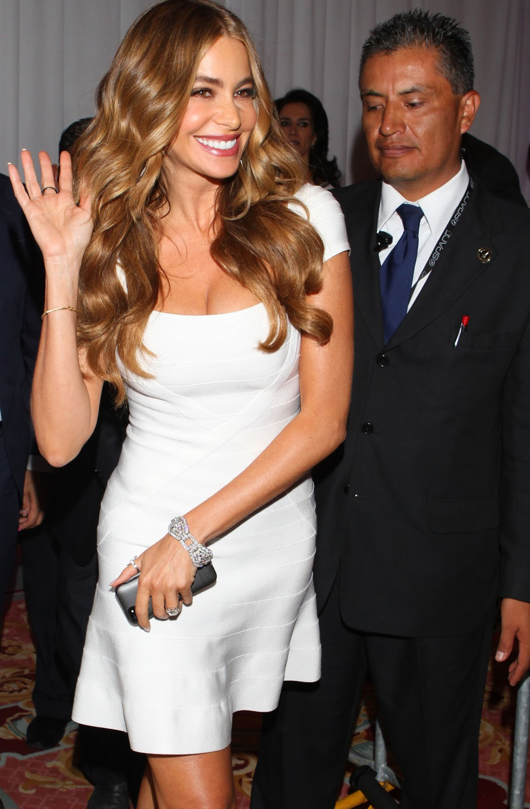 Sofia Vergara Hair Color Golden Caramel Brown Haircolor Page 1 Beauty And Care