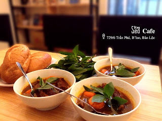 Bánh mì bò kho ngon tại DungSeo Cafe