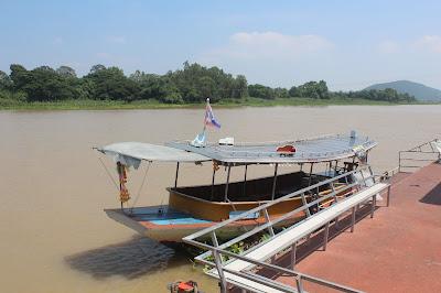 Charterboot Chao Phraya River Wat Sing