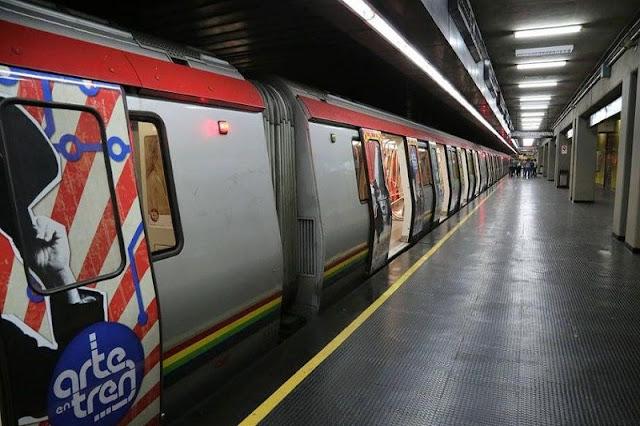 Chocaron dos vagones del Metro de Caracas en La California