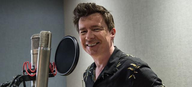 Rick Astley, durante la grabación del single benéfico 'With A Little Help From My Friends' en los estudios de Abbey Road en 2018