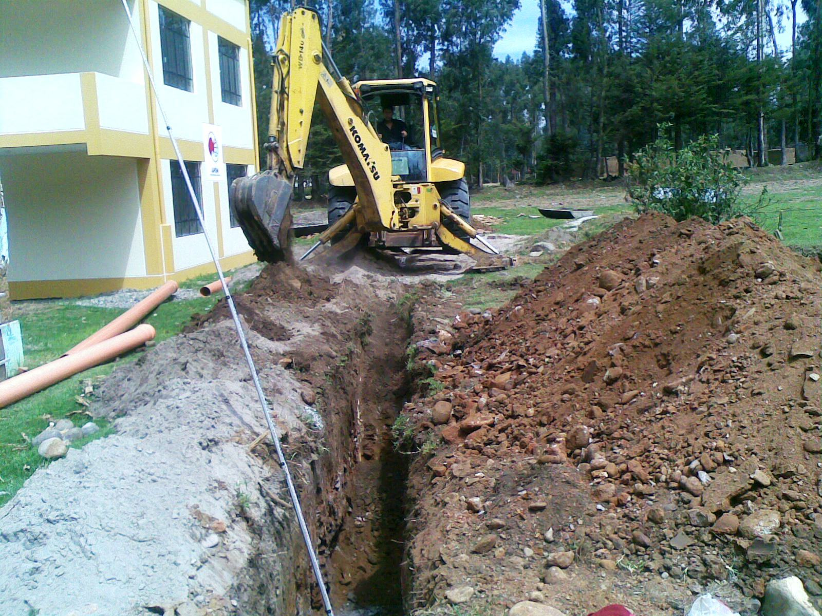 Francisca Mayer: Digging the trench