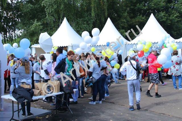 Воздушные шары с логотипом на корпоративном мероприятии