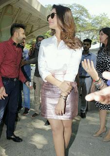 Parineeti Chopra Stills in Golden Mini Skirt at Motorola Moto M Launch  0003.jpg