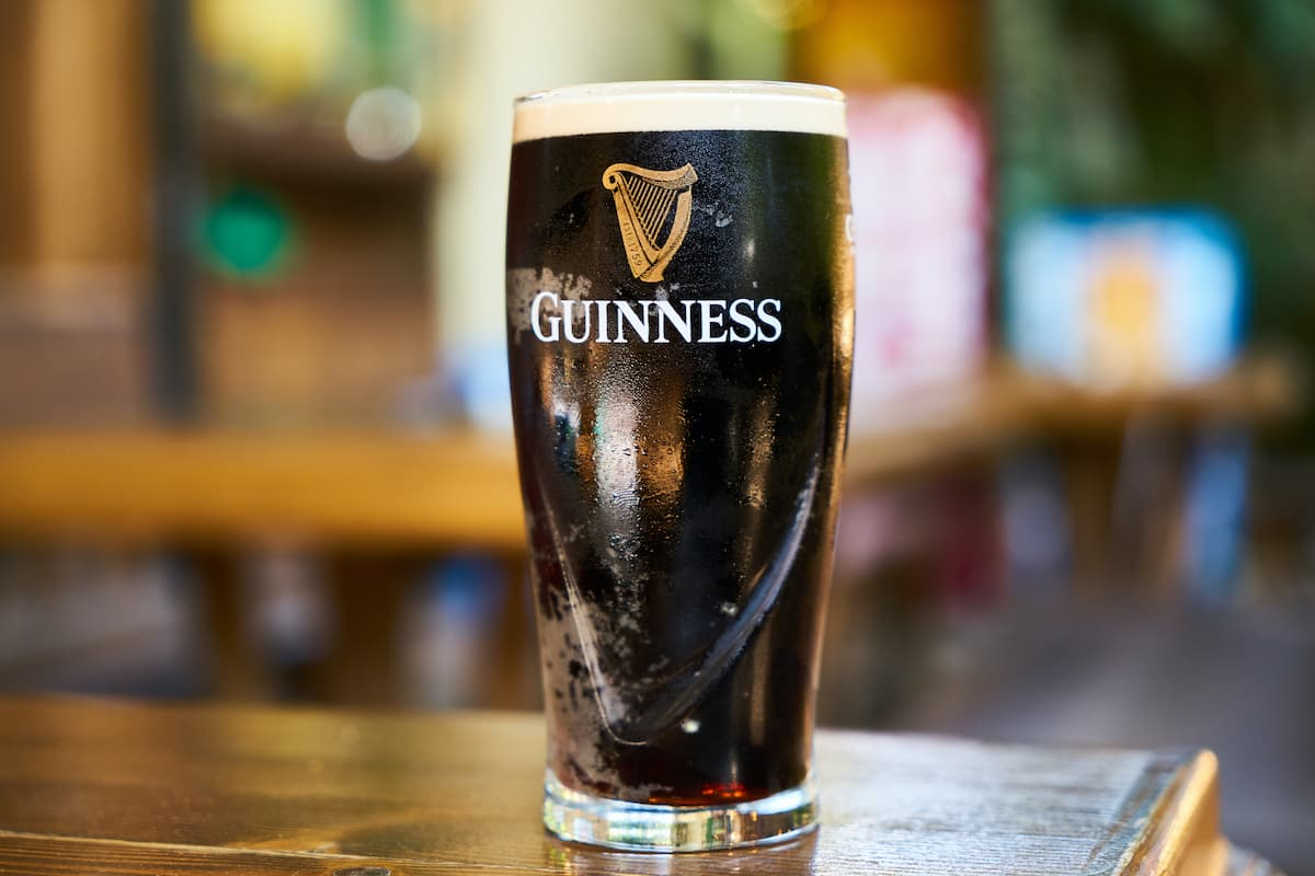 Drinking a pint of Guinness without touching it