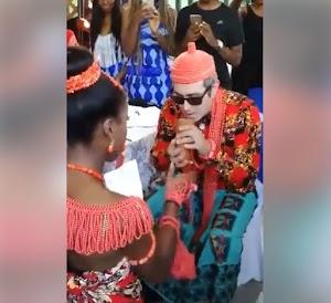 See An Elaborate Traditionally Wedding Of Oyinbo Man & A Pretty Nigerian Lady In Rome