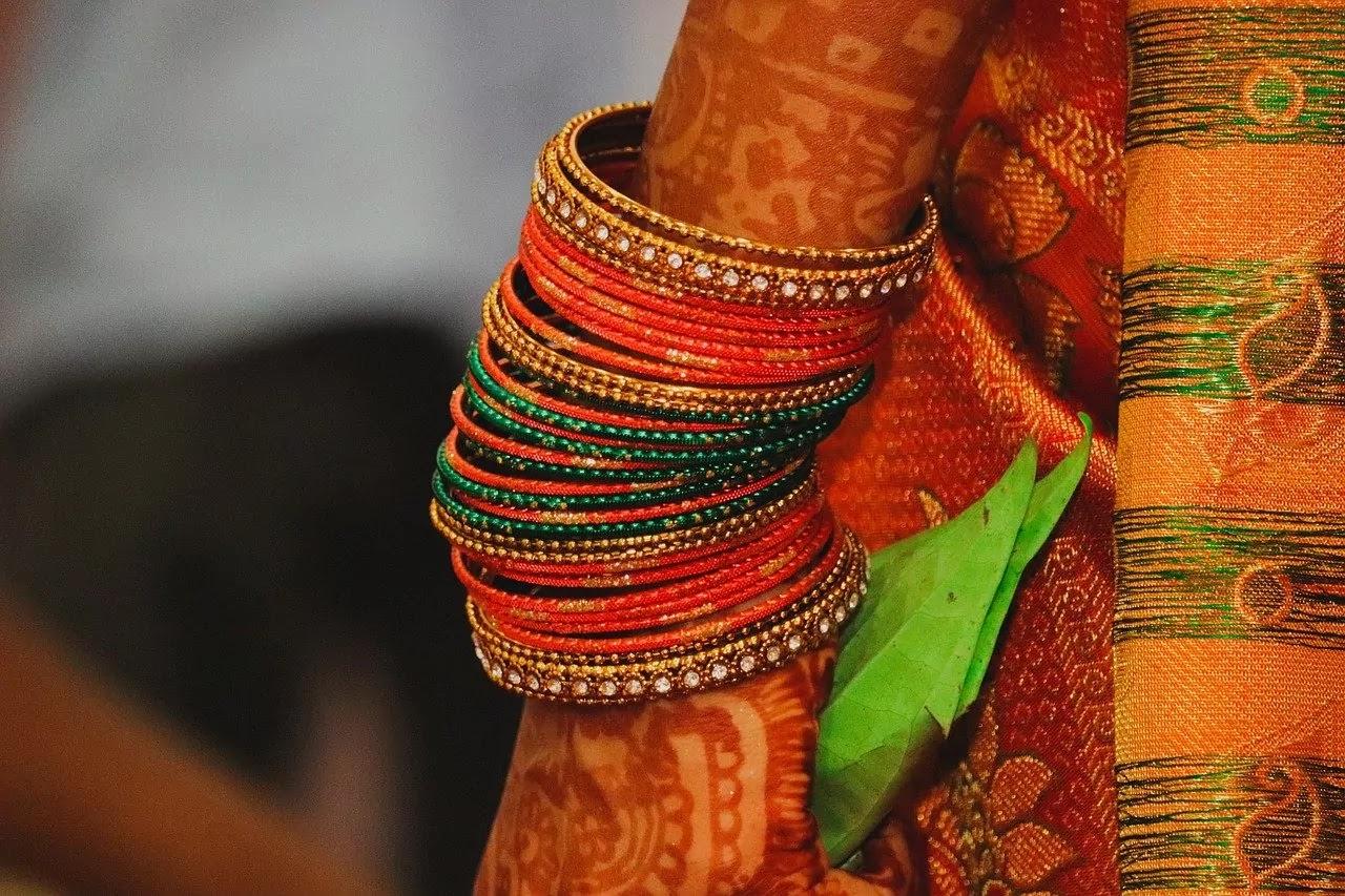 Just Married Couple Wishes In Marathi - Navin Lagnachya Shubhechha In Marathi
