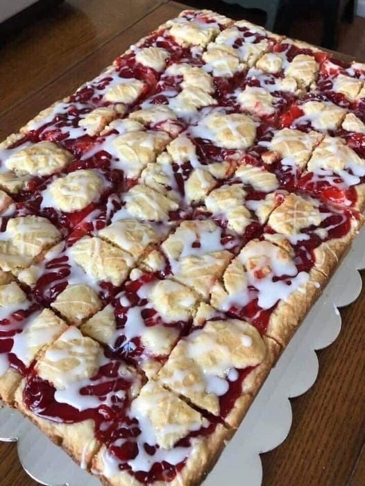 CHERRY BARS FOR A CROWD