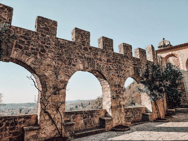 castello san martino mura merlate