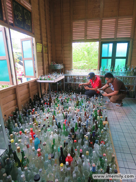Visiting the Rumah Botol (Bottle House)