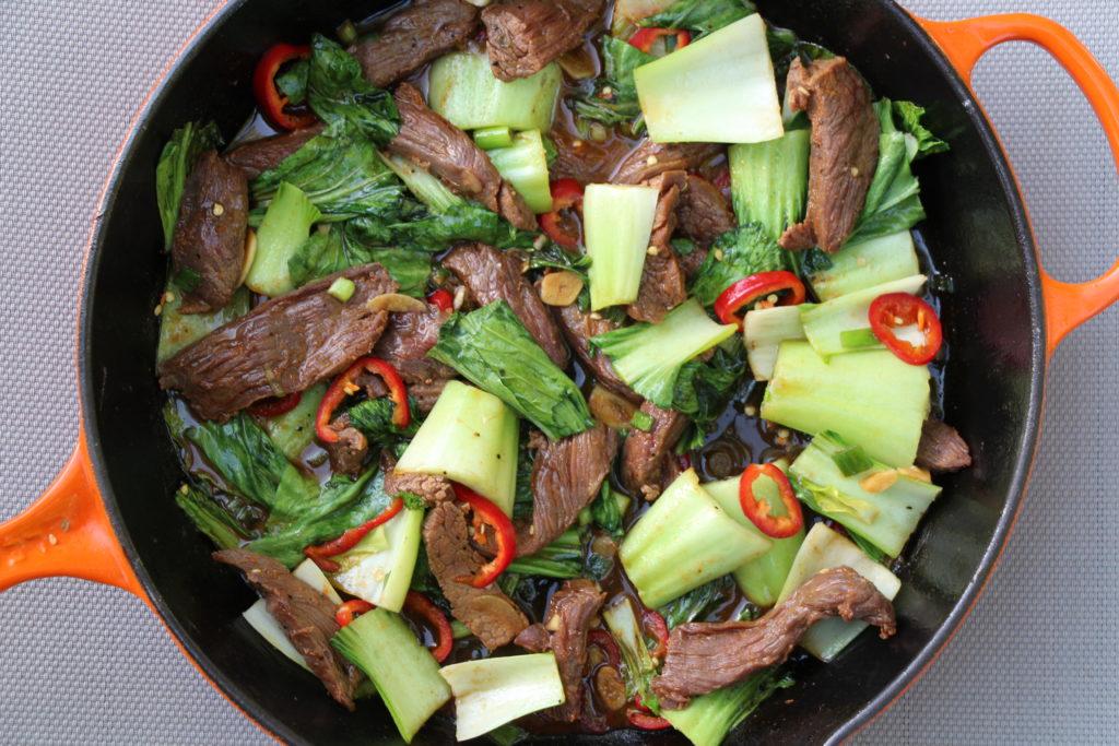 Nourishing bowls Steak and pak choi stir-fry