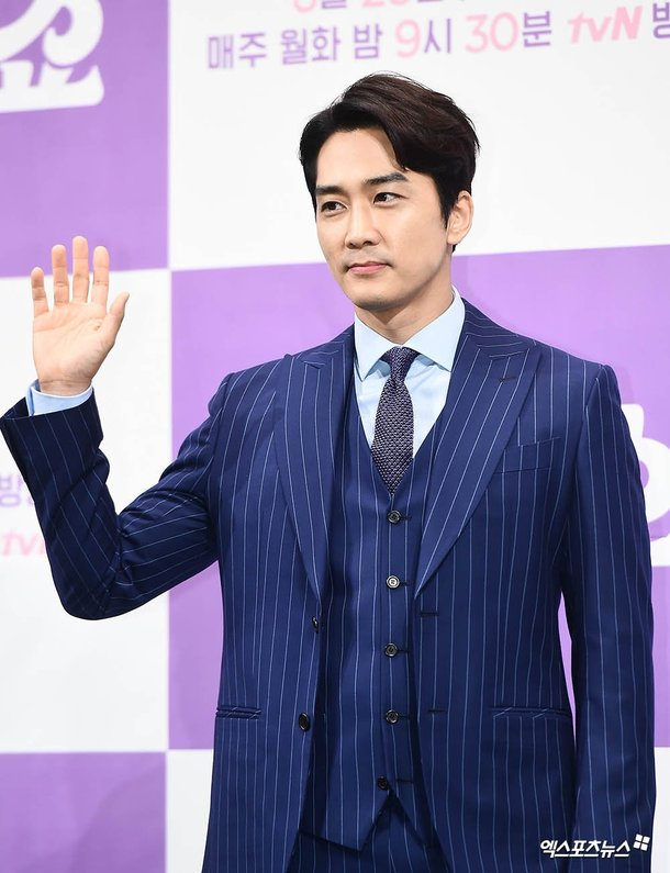 """Actor Song Seunghun has gained much attention in China after he reportedly pressed """"like"""" on a Weibo post by his ex-lover, Liu Yifei, the agency explained."""
