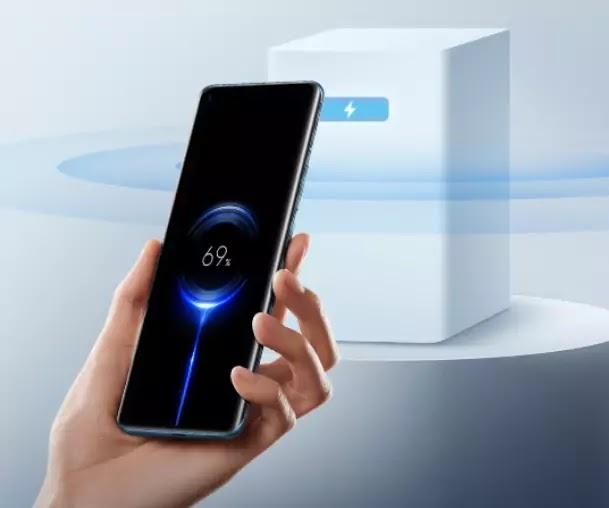 Mi Air Charge शाओमीची नवीन टेक्नॉलॉजी - फोन ला हात न लावता फोन चार्ज