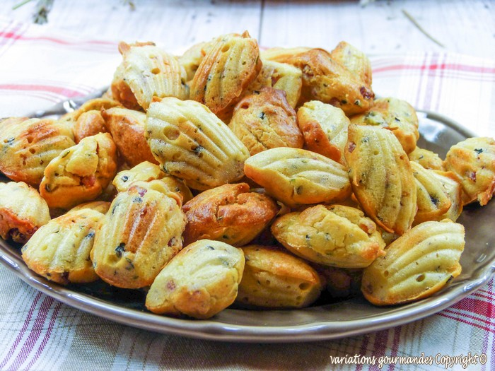 Variations gourmandes madeleines sal es lardons olives et thym bouch es ap ritives - Mini bouchees aperitives froides ...