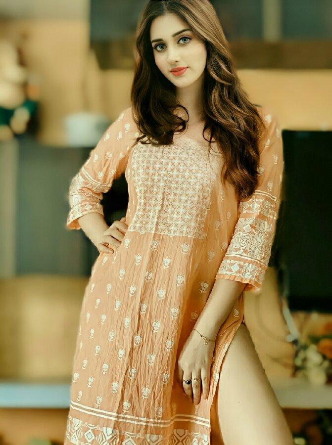 Jannat Mirza hot salwar kameez photos
