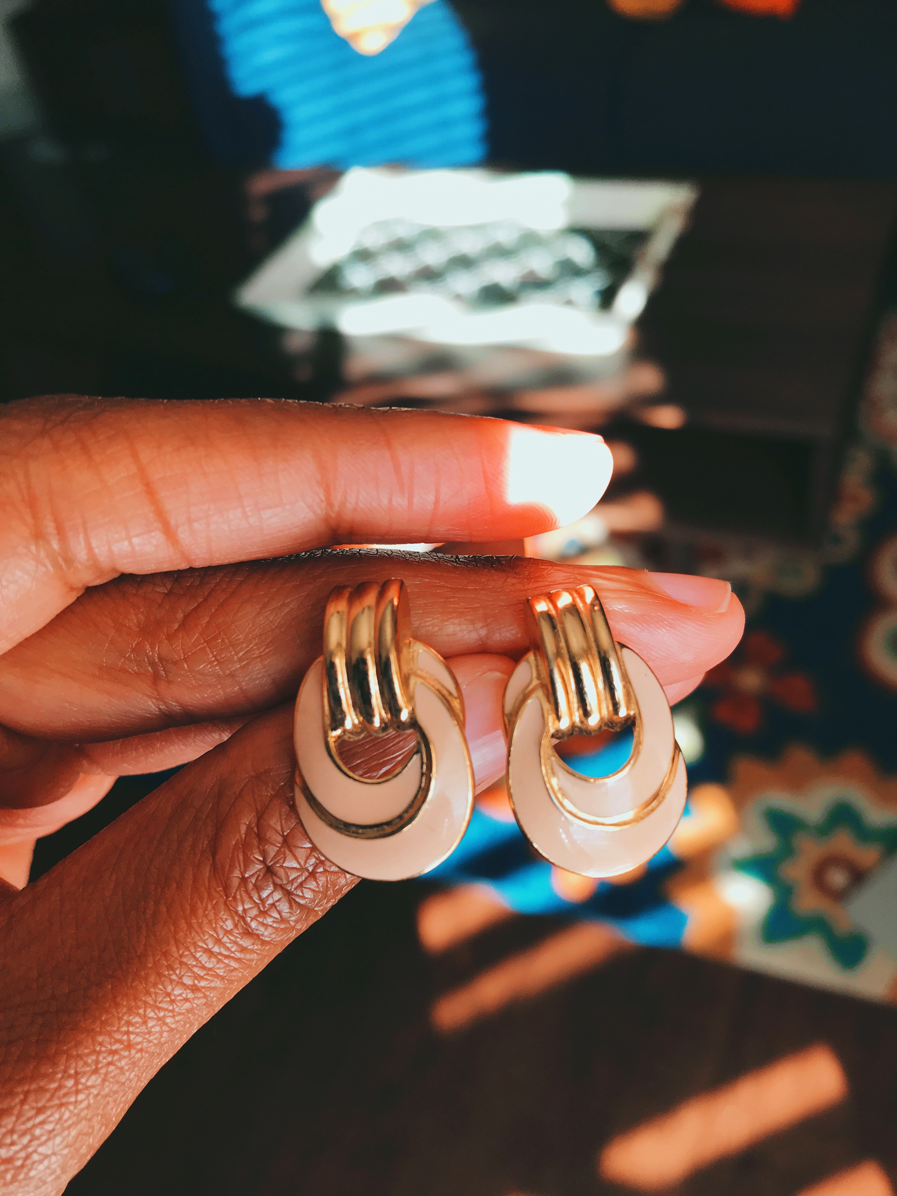 I Found The CUTEST Earrings For $1 At The Thrift Store!